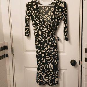 London Times Ladies wrap dress